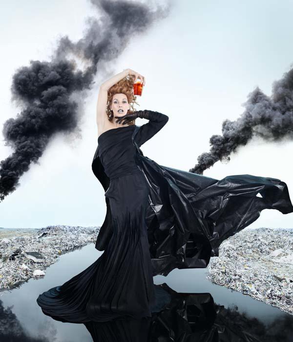 Foto de Milla Jovovich en el Calendario Campari (5/13)