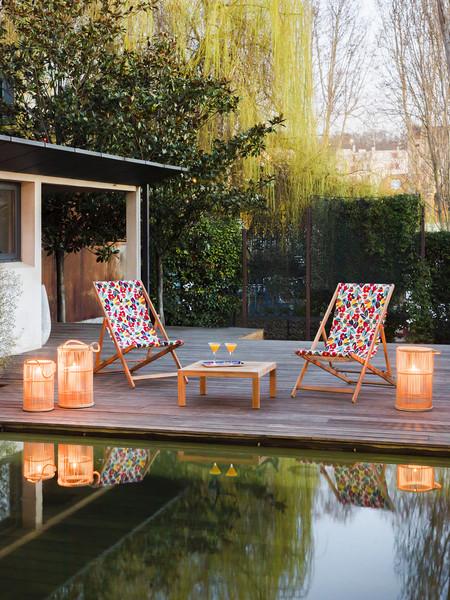 Siete muebles y complementos de Habitat para disfrutar del sol en tu balcón desde el primer rayo
