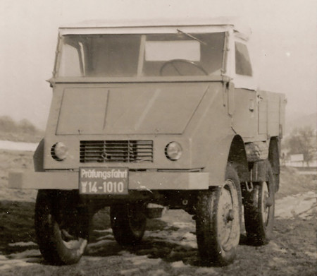 Mercedes Unimog 03