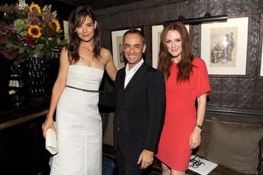 Katie Holmes y Juliane Moore en una cena post-defile de Calvin Klein
