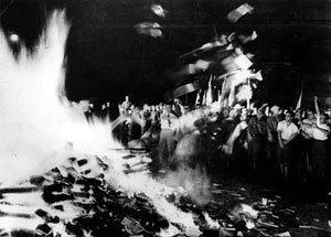 A 75 años de la quema de libros, los nazis aún ganan