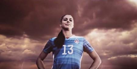 FIFA 16 logra un comercial de TV mucho mejor que el de varias marcas deportivas