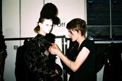 Gareth Pugh ficha por Dior Homme
