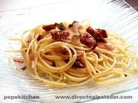 Receta de espaguetis con salsa de albahaca y tomates secos