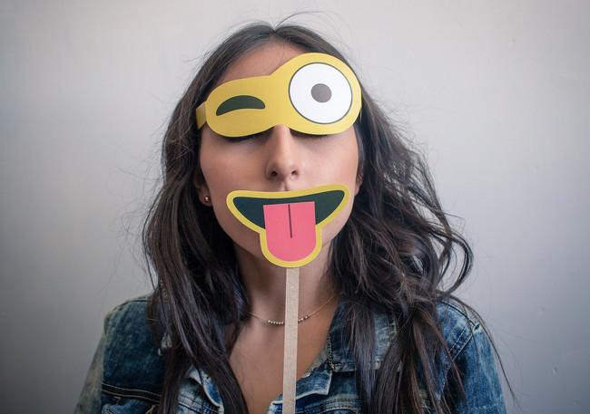 Mujer Emoji Mascara