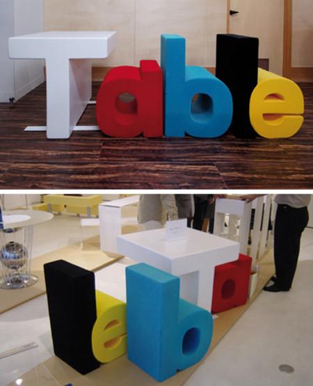 Table es una mesa con sillas