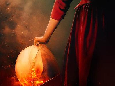 'The Handmaid's Tale': es el turno de Defred en los flamígeros nuevos tráiler y póster de la temporada 2