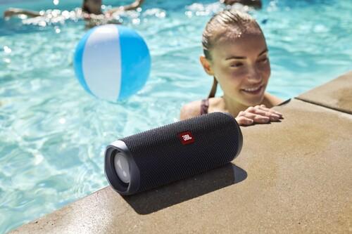 Rebajas de verano en JBL: auriculares inalámbricos con hasta 44 euros de descuento y altavoces portátiles a mejor precio hasta fin de mes