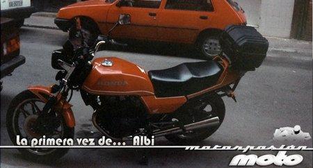 """La primera vez de Albi con una """"moto grande"""""""