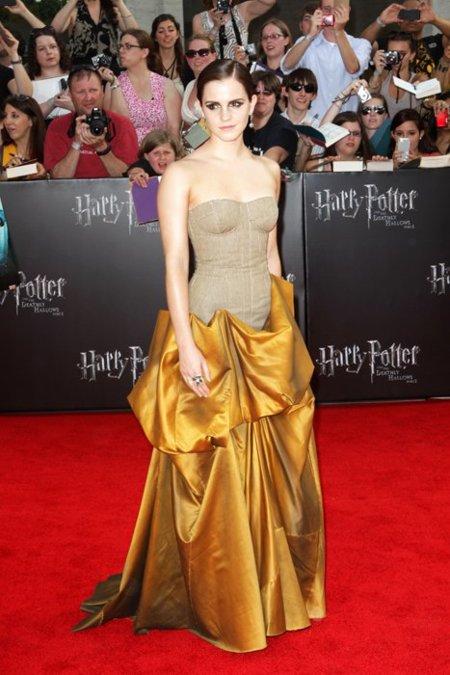 De nuevo un look 10 para Emma Watson en la premiere de Harry Potter en Nueva York