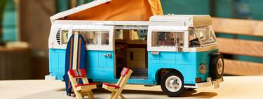 ¡Exquisita! La Volkswagen T2 de LEGO es una maqueta de la furgoneta camper por excelencia a la que no le falta detalle
