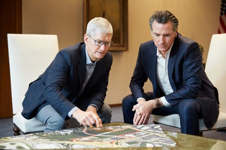 Tim Cook Gavin Newson