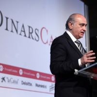 Ministro Fernandez Díaz, estos otros 11 políticos dimitieron por escándalos menos graves que el suyo