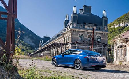 El día que me quedé tirado con un Tesla en medio del Pirineo aragonés
