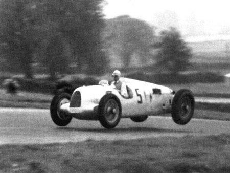 Las flechas de plata de Auto Union y Daimler-Benz cumplen 75 años (Parte final)