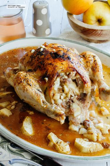 Pollo relleno de manzana, cebolla, nueces y pasas. Receta