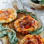 Mini pizzas de langostinos. Receta fácil