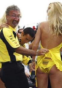 Eddie Jordan invita a Hamilton a jugar sucio en Interlagos