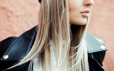 Esta plancha de pelo Remington tiene el diseño ideal (a partes iguales) para rizar o alisar el pelo y además está rebajadísima