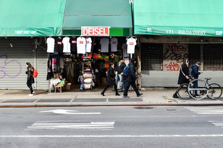 Deisel, la marca falsa más original de todos los tiempos en el Chinatown neoyorquino