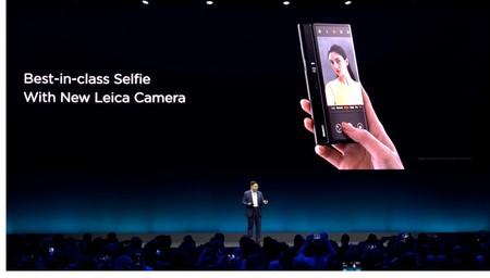Los selfies en el Mate X, con la cámara trasera
