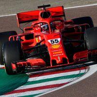 ¡Ya es rojo! Carlos Sainz debuta con un Fórmula 1 de Ferrari, aunque sea el coche de 2018