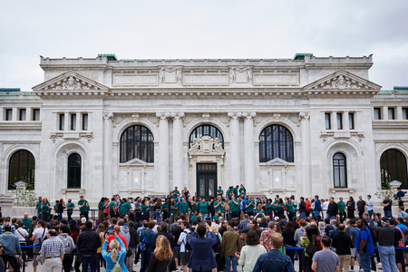 Tim Cook inaugura la impresionante Apple Store de Carnegie Hall en Washington