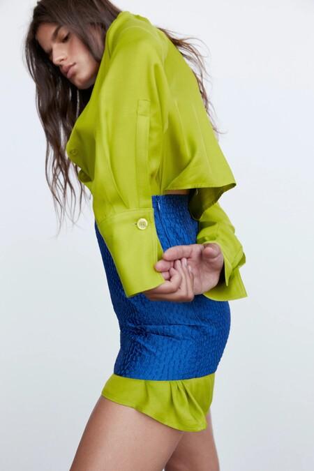 Este estilismo de Zara lo tiene todo para enamorar a la mismísima Carrie Bradshaw