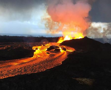 """La erupción del Kilauea ha resultado ser una joya: algunos habitantes de Hawaii aseguran que están """"lloviendo gemas"""""""