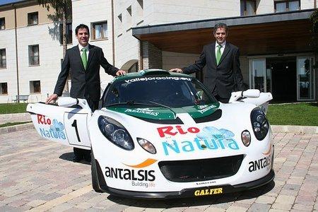 Los hermanos Vallejo presentan su montura para el Nacional de Asfalto
