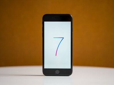 Apple iPhone 7 de 32GB, en color negro, con 164 euros de descuento y envío gratis en Amazon