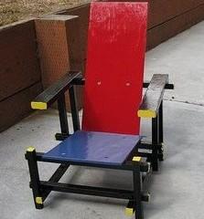 Foto 1 de 3 de la galería red-blue-chair-infantil-y-artesana en Decoesfera