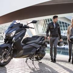 Foto 12 de 15 de la galería yamaha-x-max-400-momodesign-en-accion en Motorpasion Moto