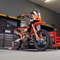 Estos kits de rally para las KTM EXC y Husqvarna FE son el arsenal definitivo para correr el Dakar, por menos de 3.000 euros