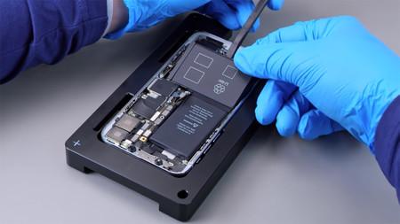 Filtran en YouTube supuestos vídeos de Apple en los que enseñan a reparar iPhones y Macs