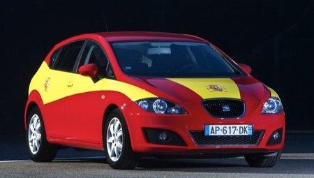 SEAT León 100% español, con los colores de la bandera de España