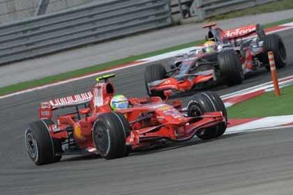 Baldisserri le reprocha a Massa el adelantamiento de Hamilton