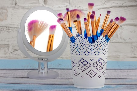 Encontramos el sistema casero más rápido y efectivo de limpiar nuestras brochas de maquillaje