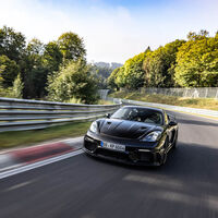 El Porsche 718 Cayman GT4 RS todavía no se ha presentado, pero en este vídeo ya revienta el crono en el Nürburgring