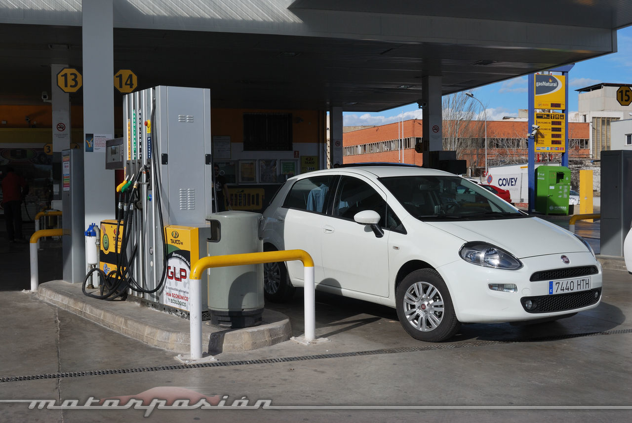 Foto de Fiat Punto 1.4 GLP (prueba) (23/70)