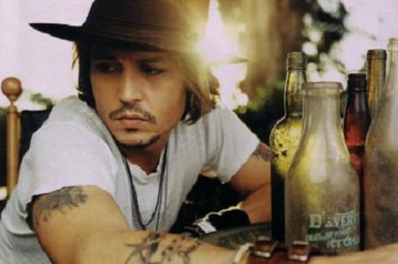 Johnny Depp te canta al oído