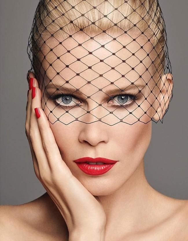 Claudia Schiffer Makeup Campaign40027