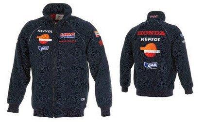 Repsol YPF comercializará una nueva línea de ropa deportiva y juguetes