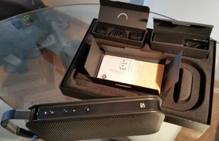 Detalle del empaquetado y los elementos incluidos en la caja