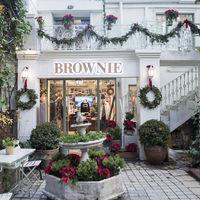 Espacios para trabajar: Brownie, muebles vintage y un jardín en su nueva tienda de Madrid