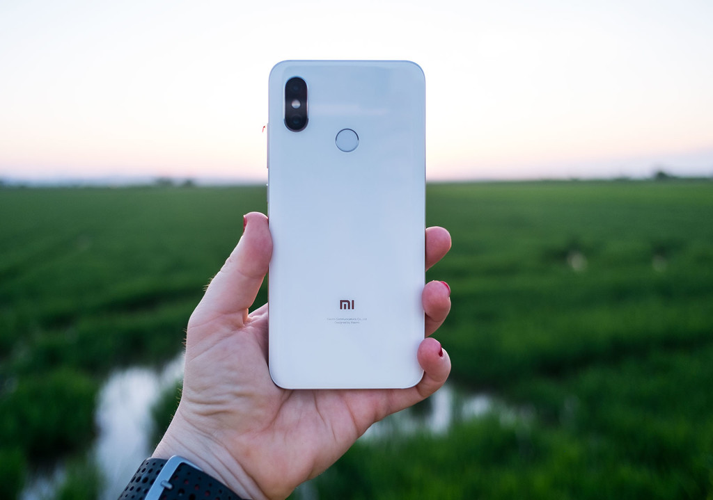 Xiaomi Mi 8 Trasera 02