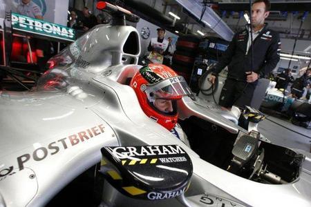 Michael Schumacher y Mercedes GP atribuyen su mal rendimiento a nuevos problemas con el DRS
