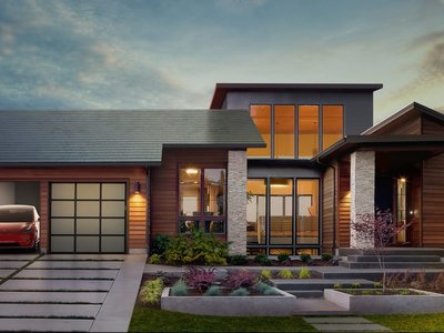 El techo solar de Tesla será más barato que un techo convencional, asegura Elon Musk