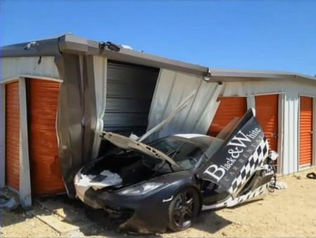 Dolorpasión™: Un McLaren MP4-12C acaba destrozado en el Goldrush Rally