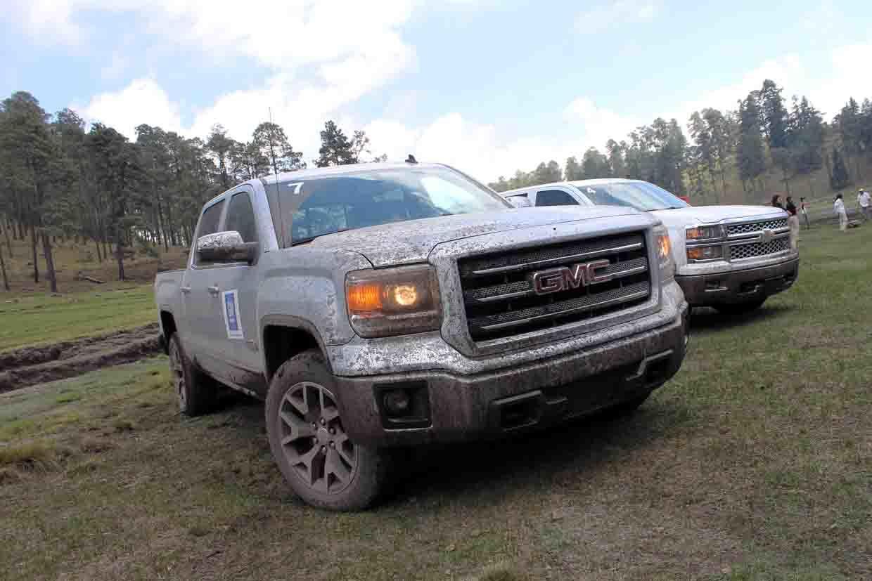 Foto de Chevrolet Cheyenne 2014 y GMC Sierra 2014 (1/10)